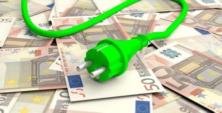 Hangt aan groene stroom een duurder prijskaartje vast?