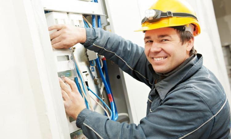 Vlaamse energieregulator wil aangepaste nettarieven: waarom?